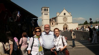 46costas silvana and sophie at assisi.jpg